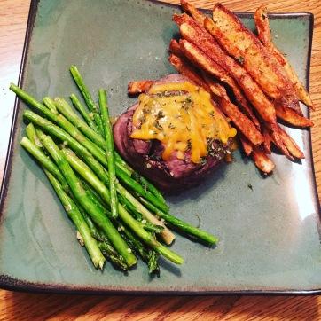 Steak Medallion with Asparagus